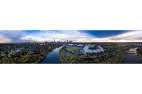 <p>Melbourne Morning - Second Place - Digital: Panorama <small>&copy; James Troi</small></p>